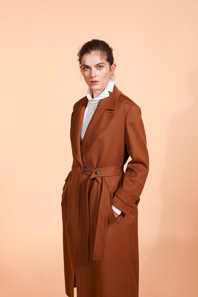woman fall winter 18